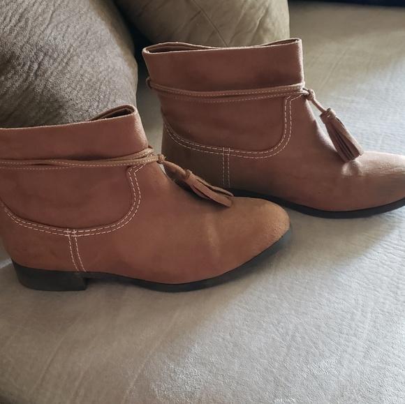 zoe & zac Other - Girls booties